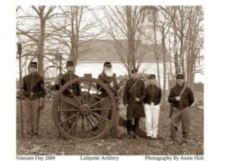 old fashioned photo of people in military uniforms